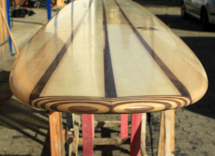 wooden-surfboard-nose-block