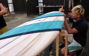 wooden-surfboard-art