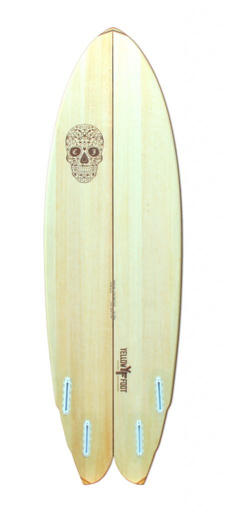 speedrunner-handmade-balsa-surfboard-fishtail